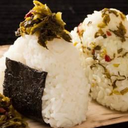九州辛子高菜でパッと簡単おにぎり♪
