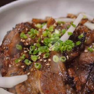タレ漬けカルビでカルビ牛丼!