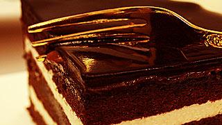 チョコ2倍使用!チョコ専門店の超濃厚ザッハトルテ